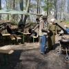 Verpflegung an der Grillstation im Burghof.