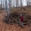 Verbrennen von gesammeltem Bruchholz.