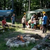 Erfrischungen im Burghof am Lagerfeuer