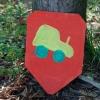 Bemalen von Wappenschildern aus Holz