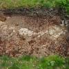 Freigelegter Felsen im Burghof